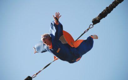 saut à l'élastique durant les vacances en France