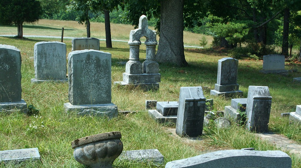 Comment choisir une pierre tombale ?